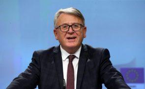 UE/Presidência: Bruxelas espera avanços nos salários mínimos e dá Portugal como exemplo