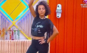 Big Brother Jéssica Fernandes usa t-shirt oferecida por duas famosas