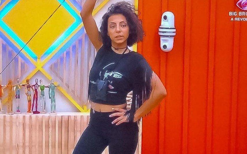 Big Brother Jéssica Fernandes usa t-shirt oferecida por duas famosas