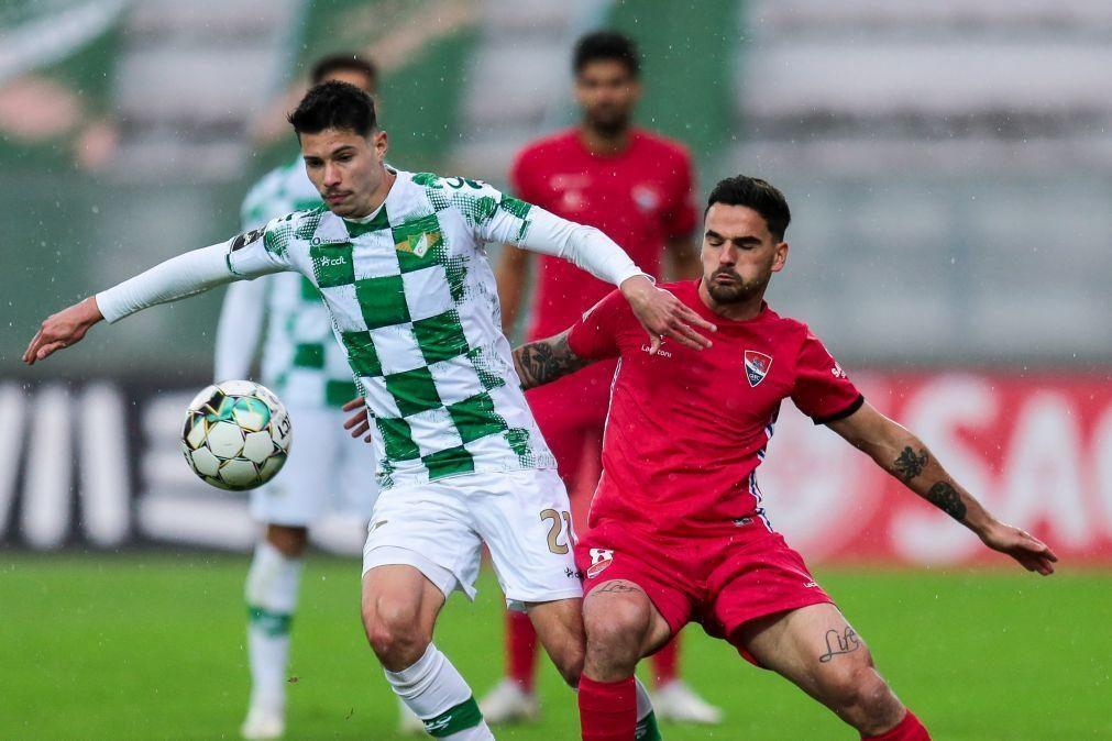 Moreirense e Gil Vicente empatam em jogo com autogolo de Denis
