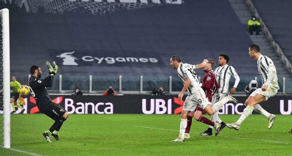 Juventus sofre para vencer Torino em dia de homenagem a Ronaldo