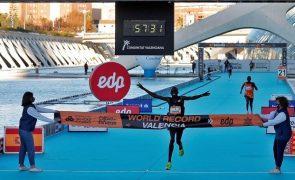 Kibiwott Kandie bate recorde mundial da meia maratona em Valência