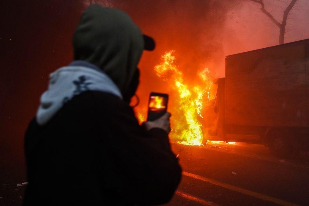Detidas 95 pessoas e 67 agentes feridos nas manifestações de sábado em França