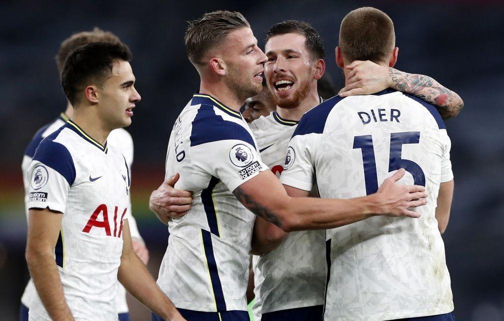 Tottenham de José Mourinho vence Arsenal e lidera