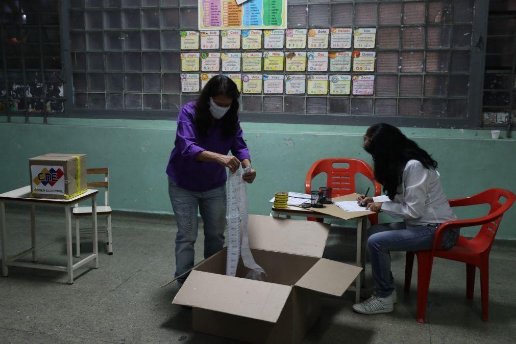 UE não reconhece processo eleitoral na Venezuela e pede solução política urgente