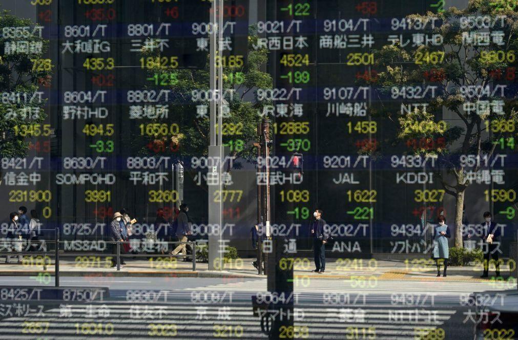 Bolsa de Tóquio abre a perder 0,24%