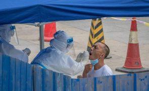 Covid-19: China ordena testes em massa em Chengdu após dois casos de contágio local
