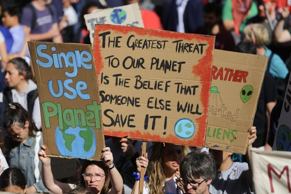 Só os pobres reduzem emissões de carbono, diz estudo