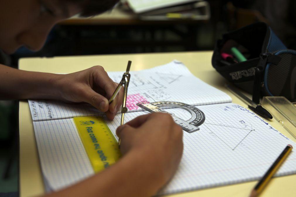 Alunos do 4.º ano estão piores a Matemática mas houve melhorias em 25 anos