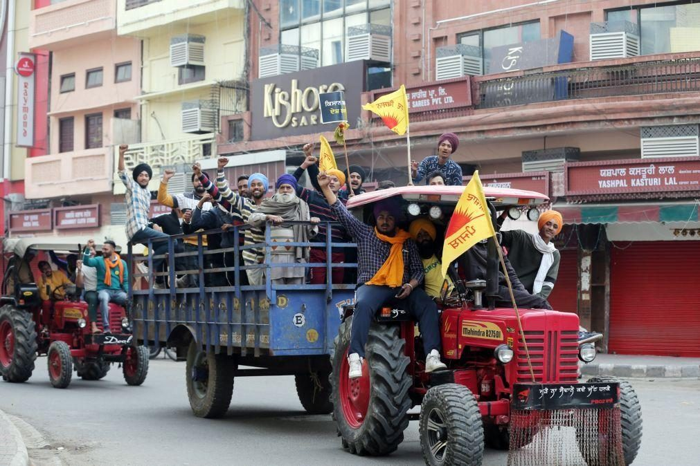 Protestos contra reforma agrícola estendem-se a toda a Índia