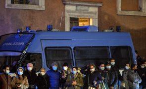 Itália regista quase 15 mil novos casos de covid-19 e 634 óbitos nas últimas 24 horas