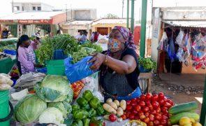 Covid-19: Mercados e unidades de saúde mais expostos em cidade do sul de Moçambique