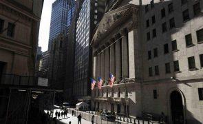Wall Street encerra no verde com Dow Jones a subir 0,35%