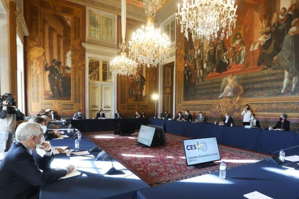 Governo e parceiros sociais discutem hoje salário mínimo para 2021