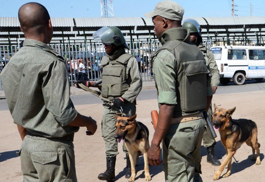 Polícia moçambicana detém agentes suspeitos de extorquir imigrantes ilegais