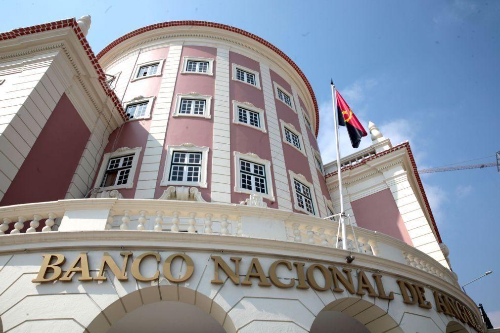 Banco Nacional de Angola recomenda alternativas às caixas automáticas sem dar explicações sobre filas