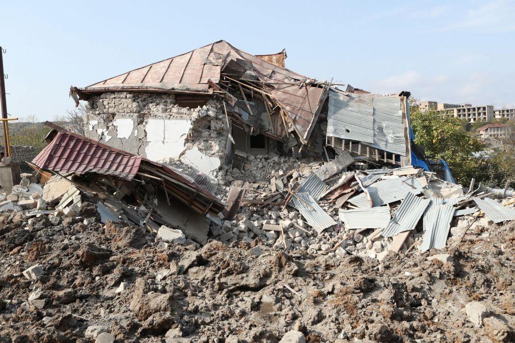 Nagorno-Karabakh: Amnistia pede investigação sobre crimes de guerra