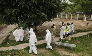 Covid-19: Pandemia já provocou a morte de 1,57 milhões de pessoas