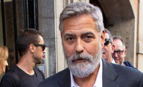 George Clooney hospitalizado depois de perda repentina de peso [vídeo]