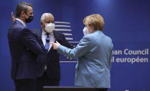 UE/Cimeira: Acordo sobre orçamento e fundo de recuperação permite