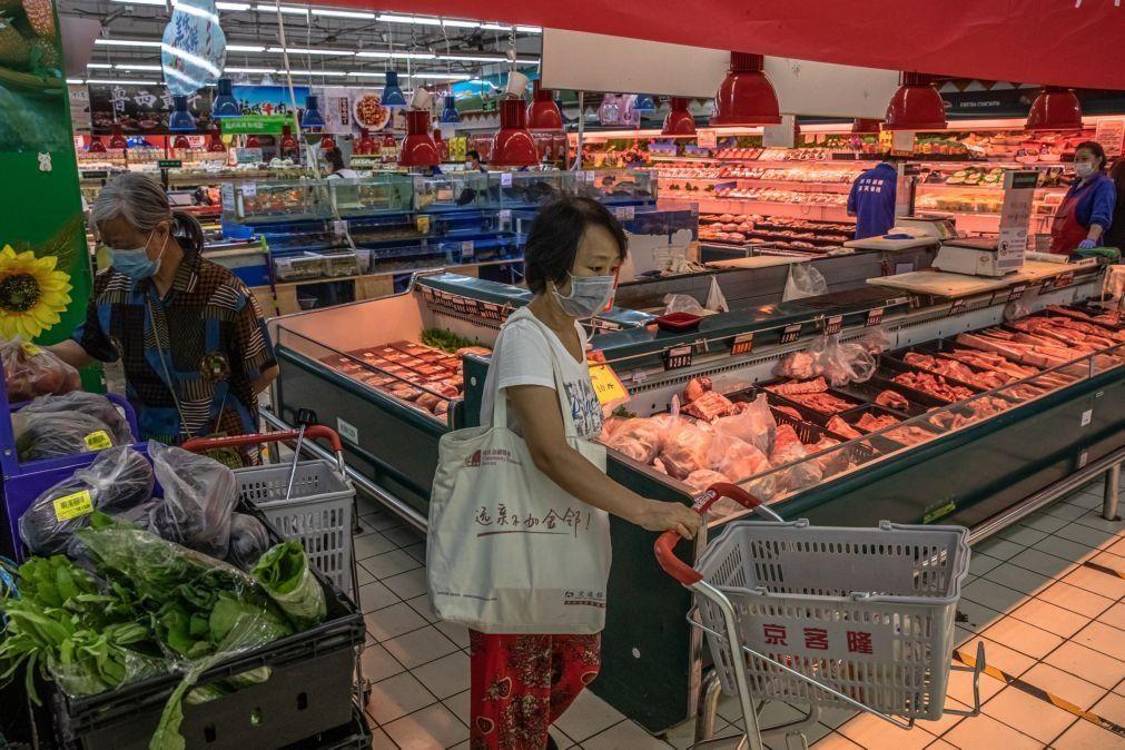 Covid-19: China suspende importação de carne congelada de empresas do Brasil e Argentina