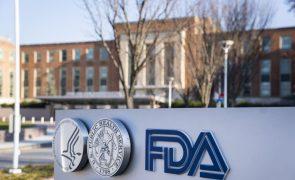 Covid-19: Estados Unidos aprovam vacina da Pfizer após pressões políticas