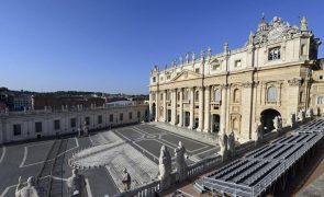 Covid-19: Vaticano inicia plano de vacinação no início do próximo ano