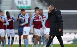 Wolverhampton é ineficaz no ataque e perde com Aston Villa nos descontos
