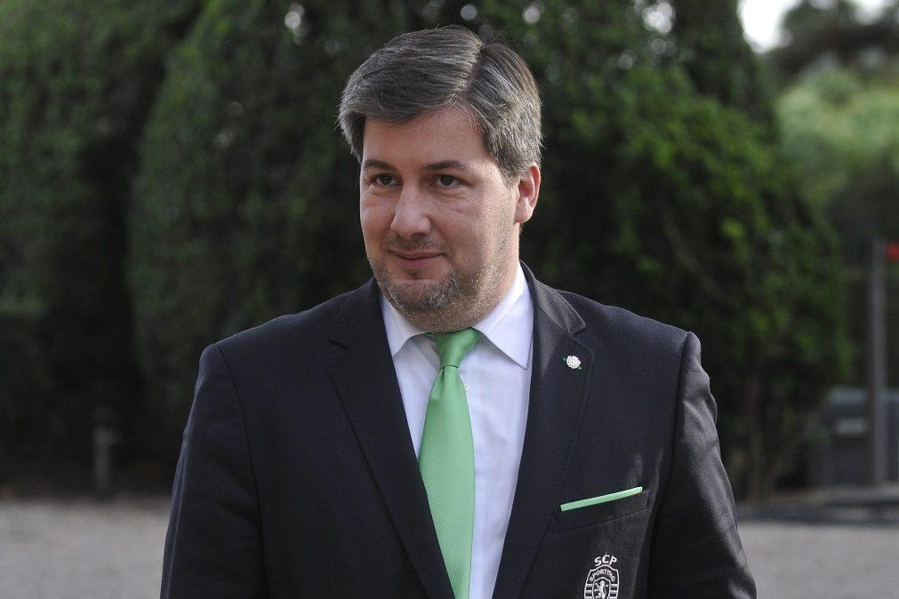 Insólito: Bruno de Carvalho imita rival em entrevista à SportingTV