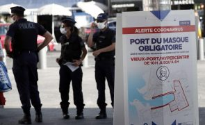 Covid-19: Autoridades param festa ilegal com 500 pessoas em Marselha