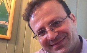 Irão condena investigador britânico-iraniano a nove anos de prisão
