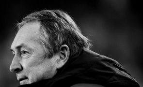 Liverpool de luto: morreu o treinador Gérard Houllier