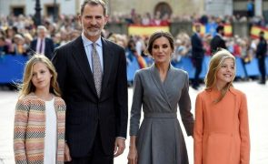 Postal de Natal da Casa Real espanhola tem Sofia e Leonor como protagonistas