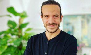 Crónica do cabeleireiro dos famosos David Xavier dá 5 truques infalíveis para ter uns caracóis perfeitos