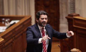 Presidenciais: André Ventura admite até vir a dar posse a Governo com PCP