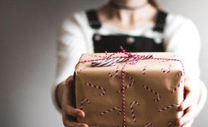 Metade dos portugueses abdicam de passar o Natal em família