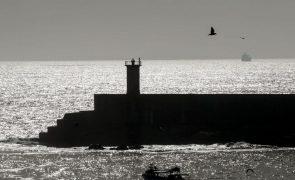Câmara de Matosinhos diz que adjudicar quebra-mar de Leixões era