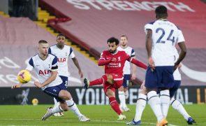 Golo ao minuto 90 trama Tottenham, de Mourinho, e dá liderança isolada ao Liverpool