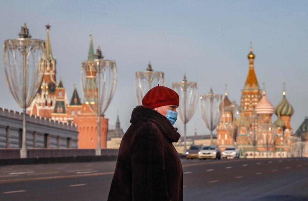 Covid-19: Rússia regista 587 mortes nas últimas 24 horas e ultrapassa as 49.000