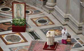 Vaticano permite celebração de quatro missas diárias no Natal, Ano Novo e Dia de Reis