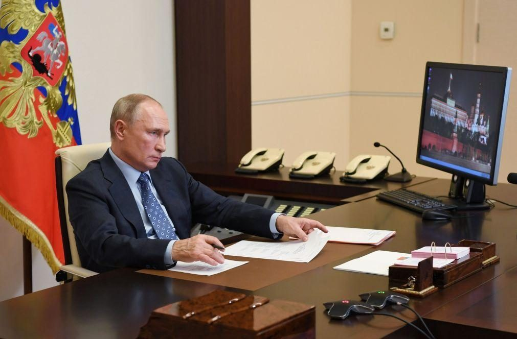Navalny: Se a Rússia o quisesse envenenar ele teria morrido, garante Putin