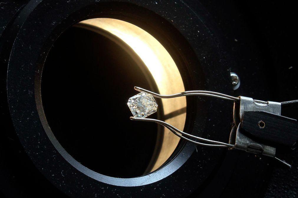 Angola recebe propostas de cinco das maiores empresas de leilão e licitação de diamantes