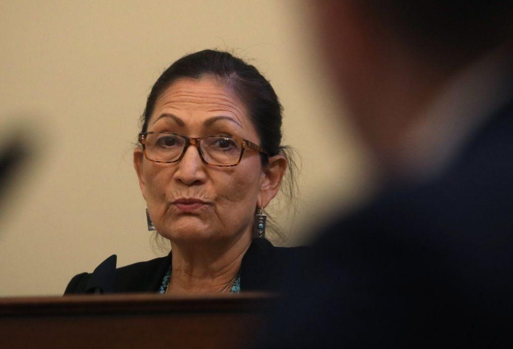Joe Biden deve escolher a nativa Deb Haaland para secretária do Interior