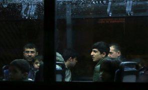 Governo quer refugiados empregados, a falar português e com habitação dentro de ano e meio