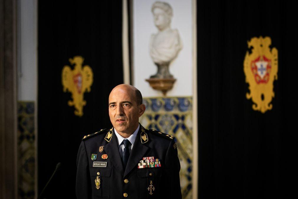 Ex-comandante-geral da GNR Botelho Miguel é o novo diretor do SEF
