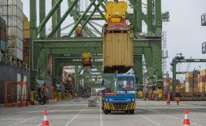 Carga movimentada nos portos de Portugal Continental cai 7,1% até outubro - AMT