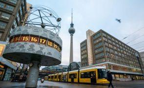 Covid-19: Alemanha regista recorde de 33.777 novos casos nas últimas 24 horas