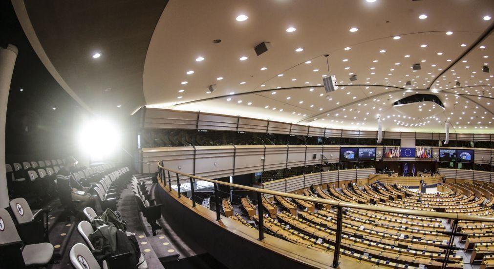 Brexit: PE aprova planos de contingência para cenário de 'no-deal'
