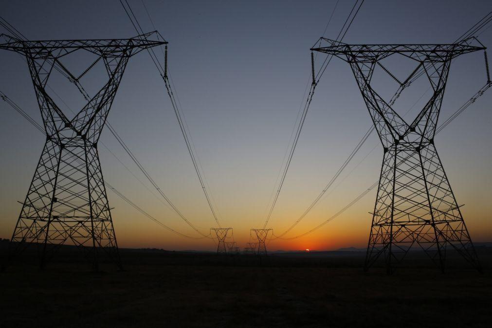 Moçambique precisa de cinco mil milhões de euros para atingir acesso universal à energia