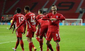 'Bis' de Lewandowski dá liderança isolada ao Bayern Munique na Alemanha